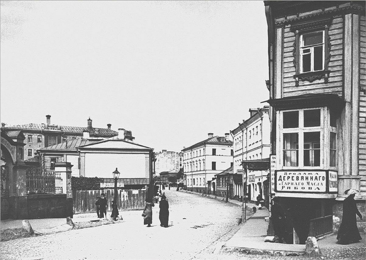 423. 1913. Воздвиженский большой переулок в сторону Плющихи