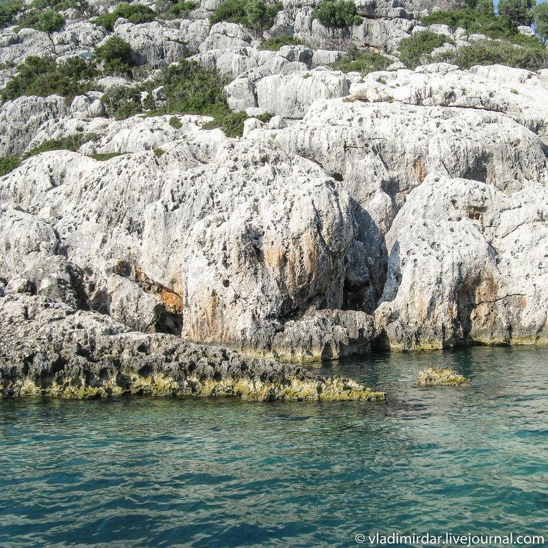 Древние ликийские скалы
