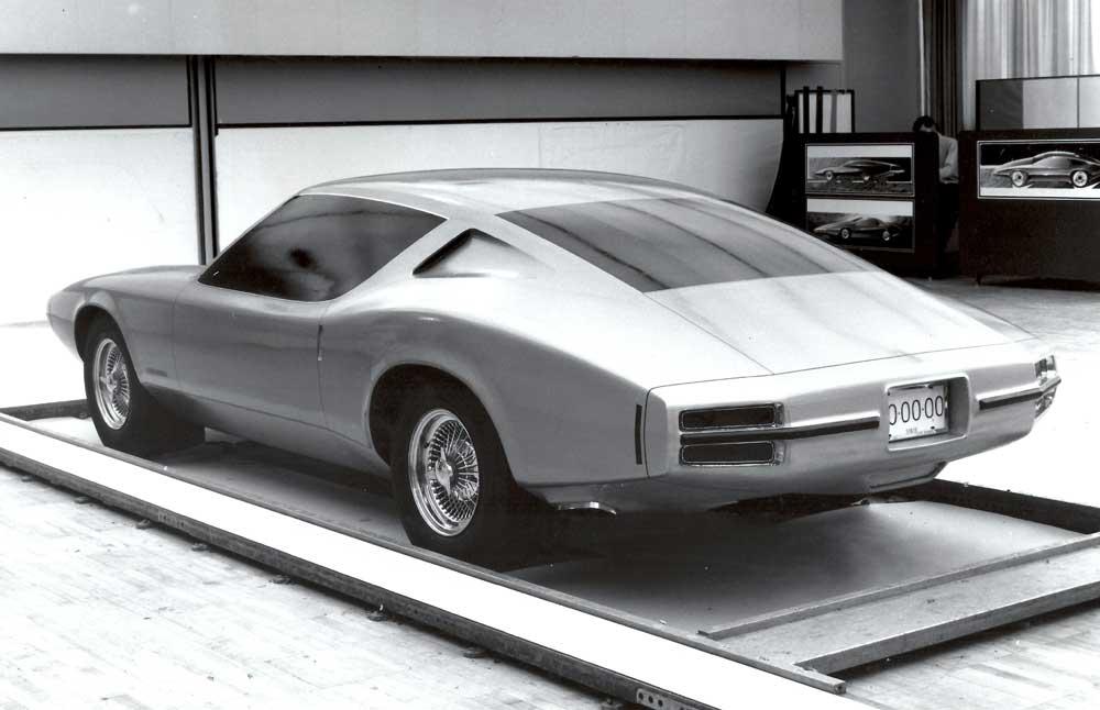 '70 Pontiac firebird design concept 4.jpg