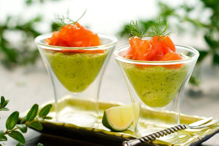 3. Семга с муссом из авокадо Вам понадобятся: 2 авокадо 1 лайм или лимон 100 мл жирных сливок (лучше
