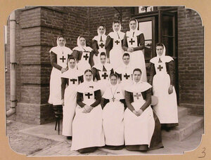 Отряд сестер милосердия из Москвы, предназначенный для плавучего госпиталя, организованного на пароходе Царица.