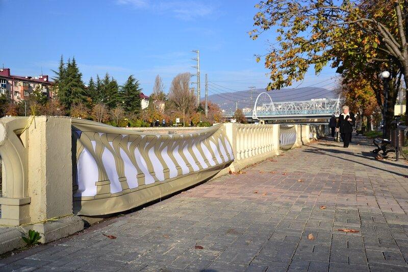 Ко Дню города «отремонтировали» набережную реки Сочи: Вы думаете всё остальное олимпийское построено крепче?