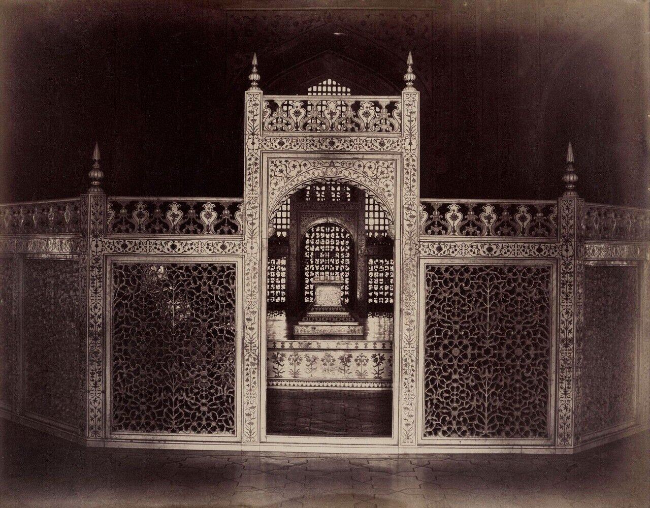 Агра. Интерьер Тадж-Махала 1880
