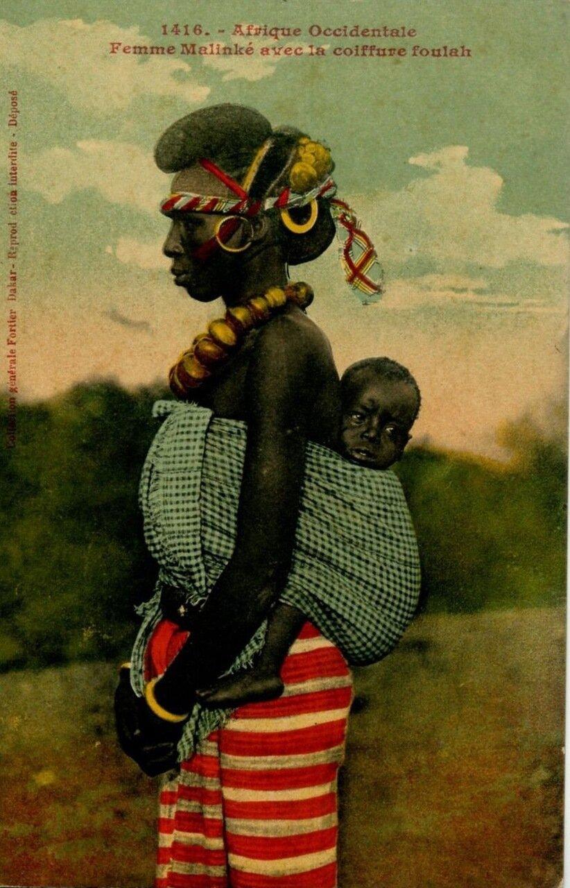 1910. Сенегал. Женщина с ребенком. Народность малинке