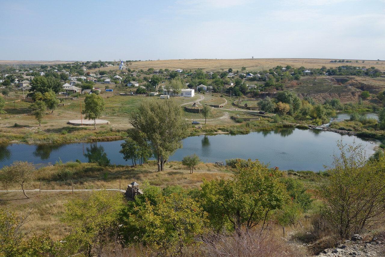 место проведения фестиваля и каменная плотина в хуторе Погорелов