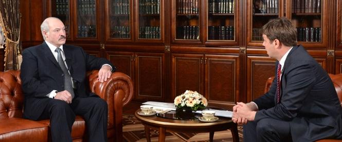 Лукашенко дает интервью Блумбергу.jpg