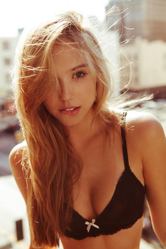 Красивые фотографии молодой модели Алексис Рен 0 142379 2cf1e28b orig