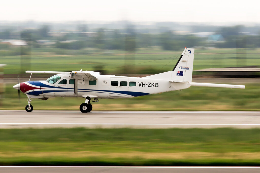 Cessna_208B_Grand_Caravan_VH-ZKB_Air_Control_4_ALA_for.jpg