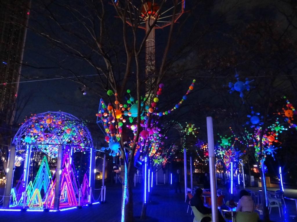 Рождественская иллюминация в Tokyo Dome City.