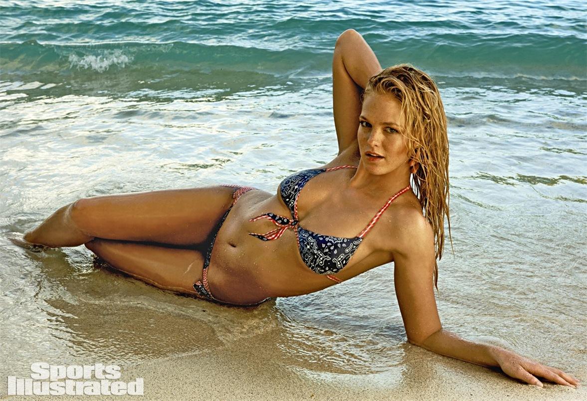 Нарисованный купальник на теле Эрин Хизертон / Sports Illustrated Swimsuit 2015 bodypaint - Erin Heatherton by Yu Tsai in St.John, US Virgin Islands