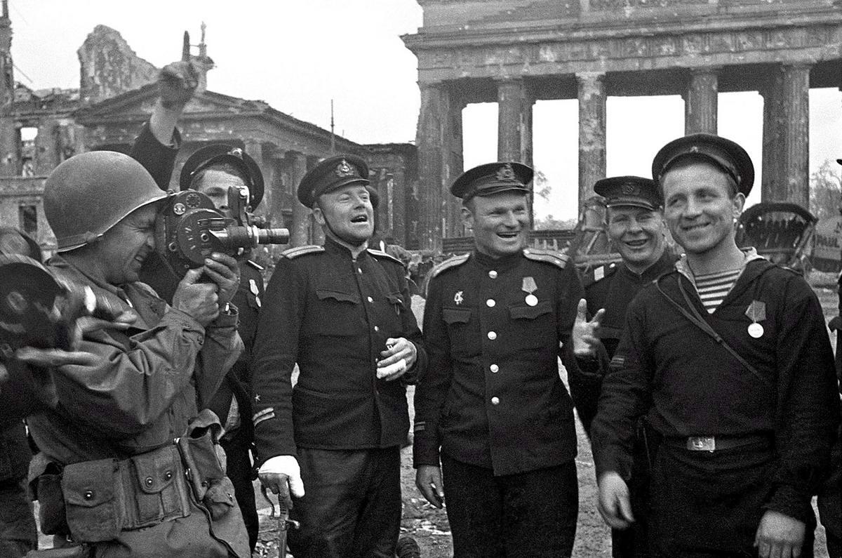 Падение Берлина на фотографиях весны 1945 года (36)
