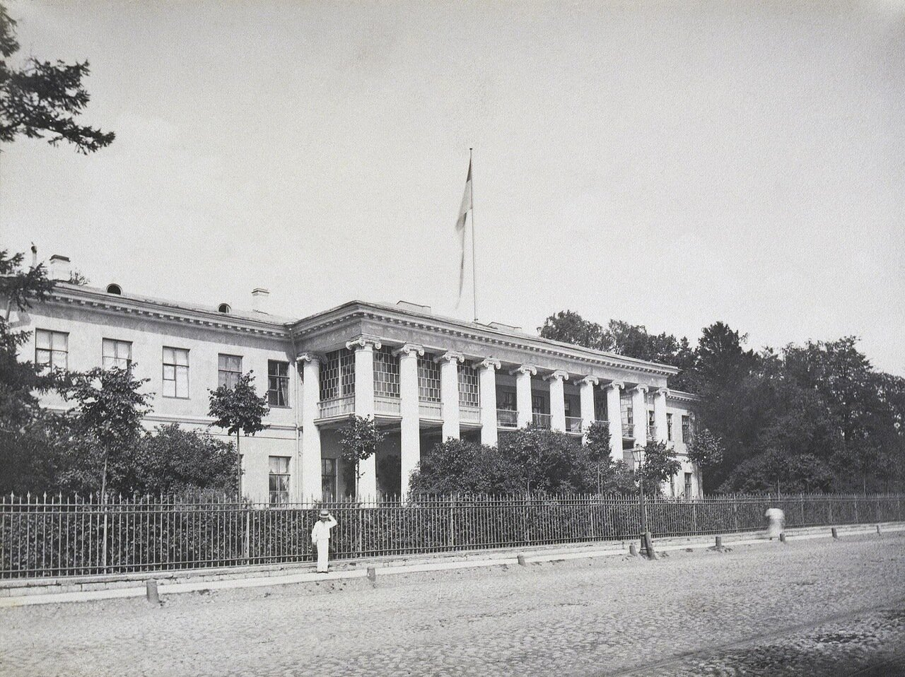 Фасад дачи П.П. Дурново на Полюстровской набережной