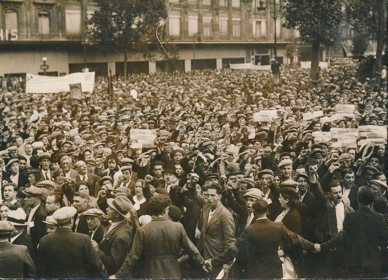 1936. Демонстрация в Париже