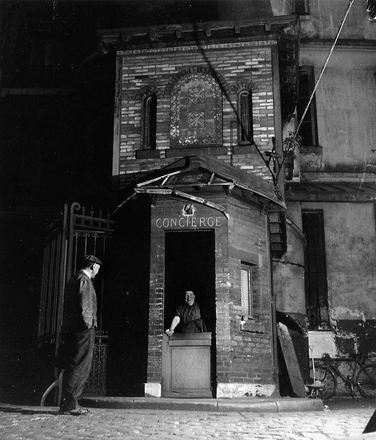 1945. Консьерж в одном из парижских округов