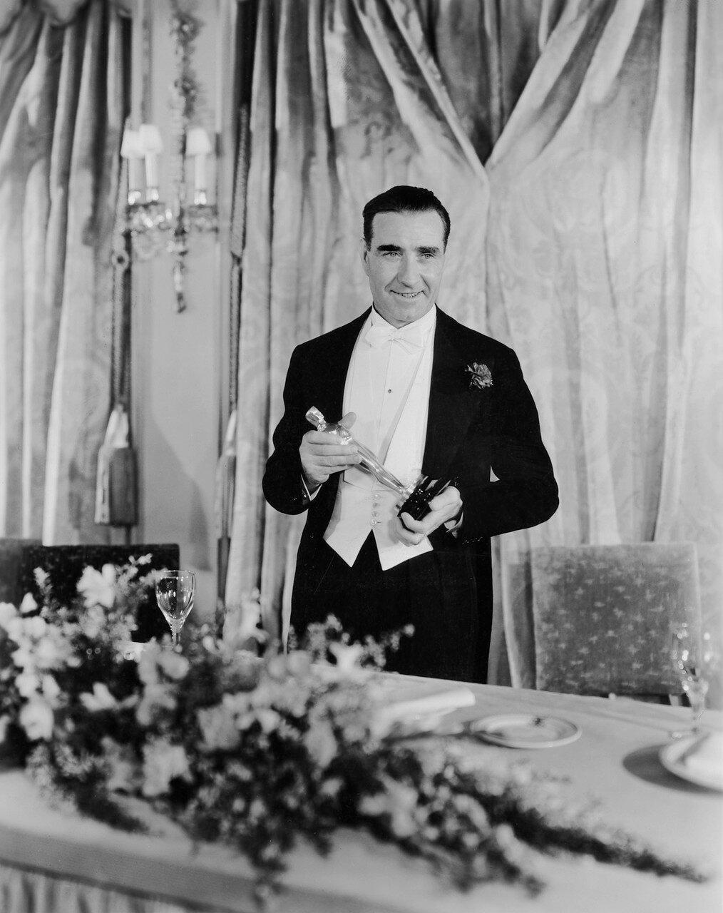 1933. Фрэнк Ллойд — «Кавалькада» (Cavalcade). Лучшая режиссёрская работа