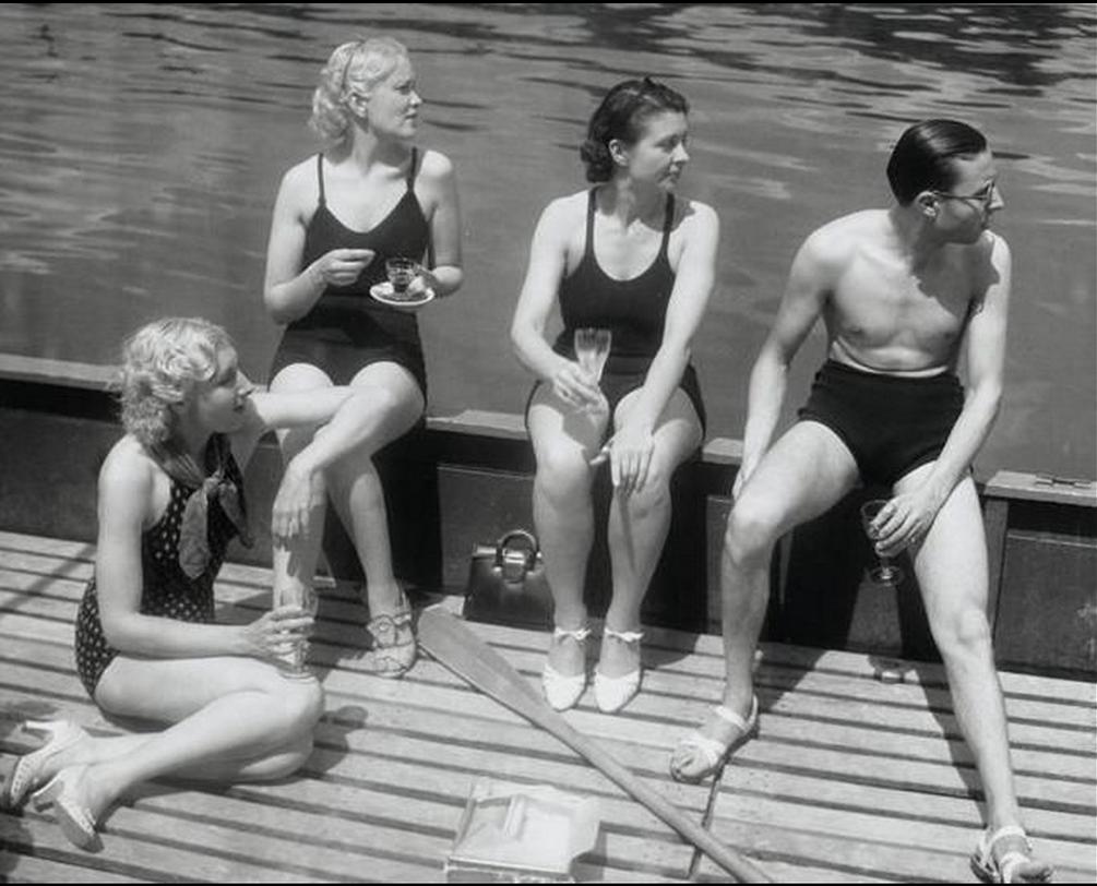 1936. Уикенд в Париже