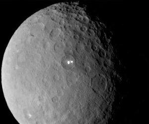 Ученые разгадали тайну происхождения белых точек на Церере