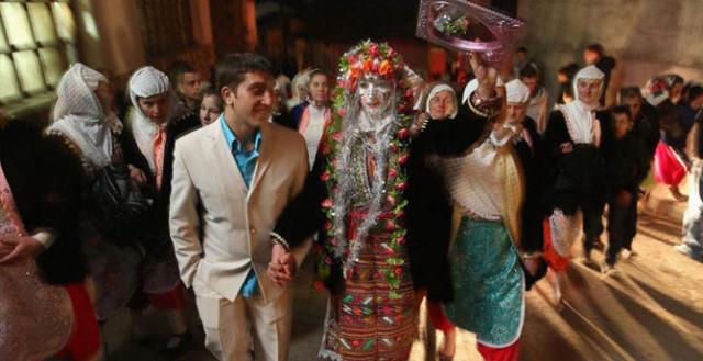 0 1293f0 7157c045 orig Свадебные наряды невесты в разных странах (головной убор)
