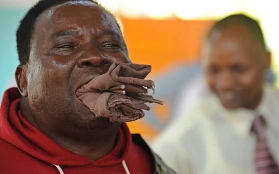 Самый сильный человек в Кении. Фотографии