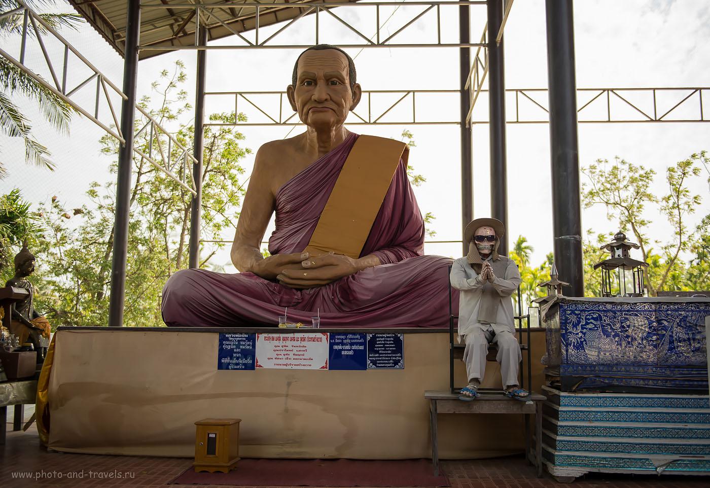 Снимок 20. Странная парочка в храме Wat Na Yang. Путешествие по интересным местам в окрестностях Хуахина.