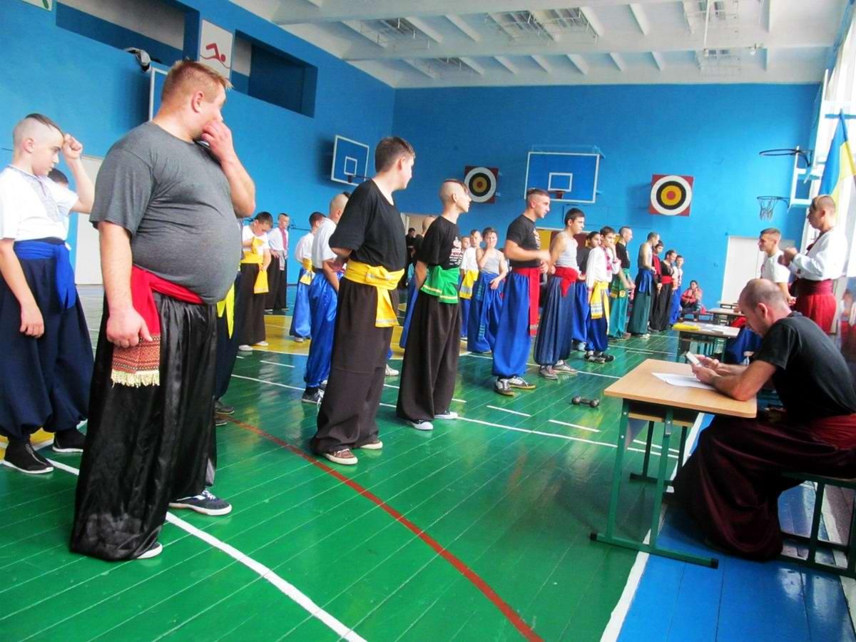 Квалификационный групповой экзамен в школе боевого гопака города Нетешин (Хмельницкая область) (02)