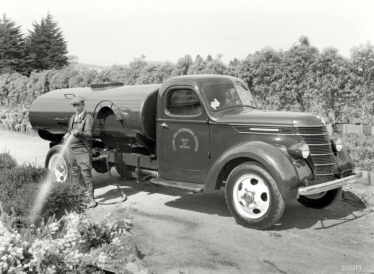 Специализированные транспортные средства начала 20-го века на снимках американских фотографов (65)