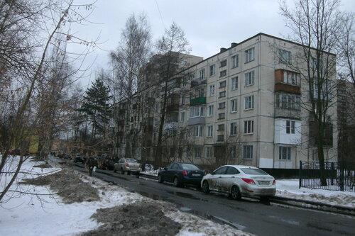 ул. Летчика Пилютова 13к1