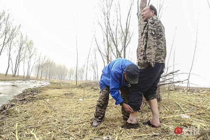 Супермены: в Китае два инвалида спасают деревню от потопа 0 1308c0 fef60386 orig
