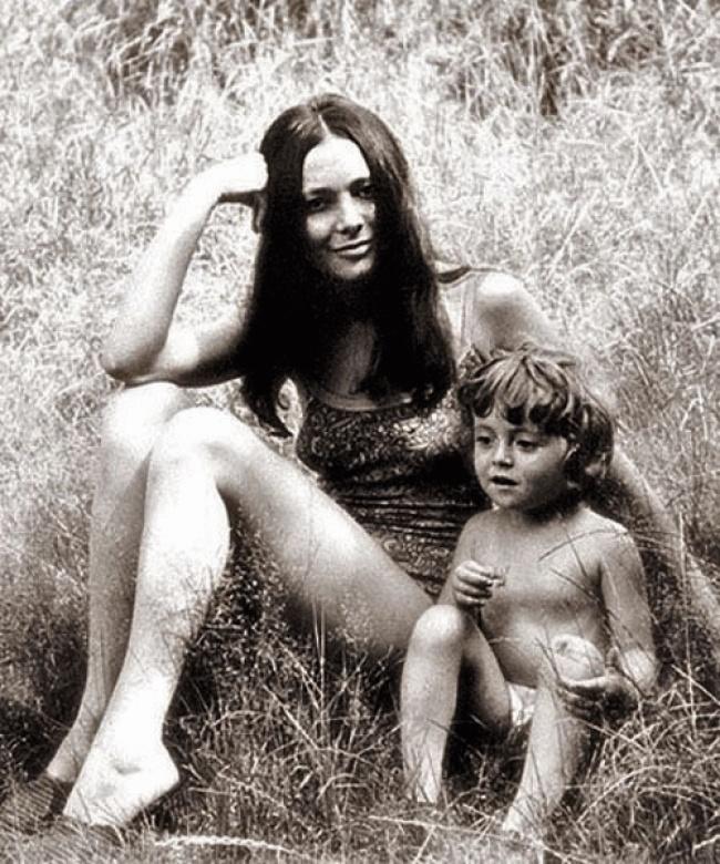 Голая мама в семье фото