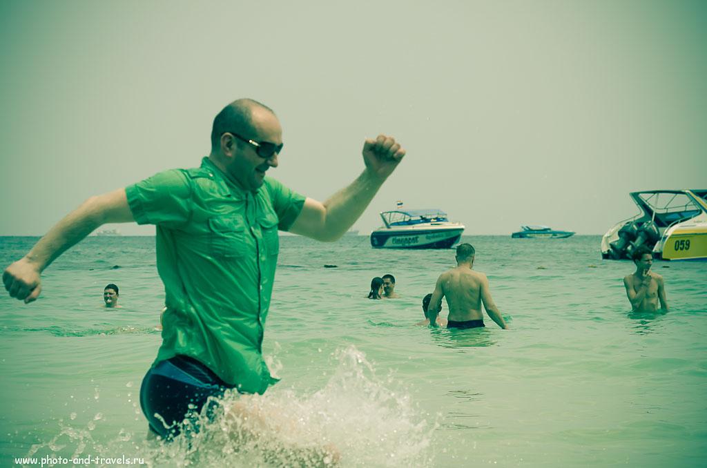 12. На пляже Таваен невозможно сидеть спокойно. Снято на портретный объектив AF Nikkor 85mm f/1.8D, который предназначен для фотоаппаратов с