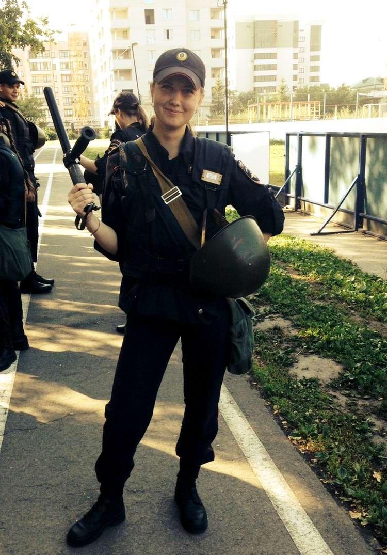 Нетворкс матуресанд фото девушки в форме милиции гимнастика девушек