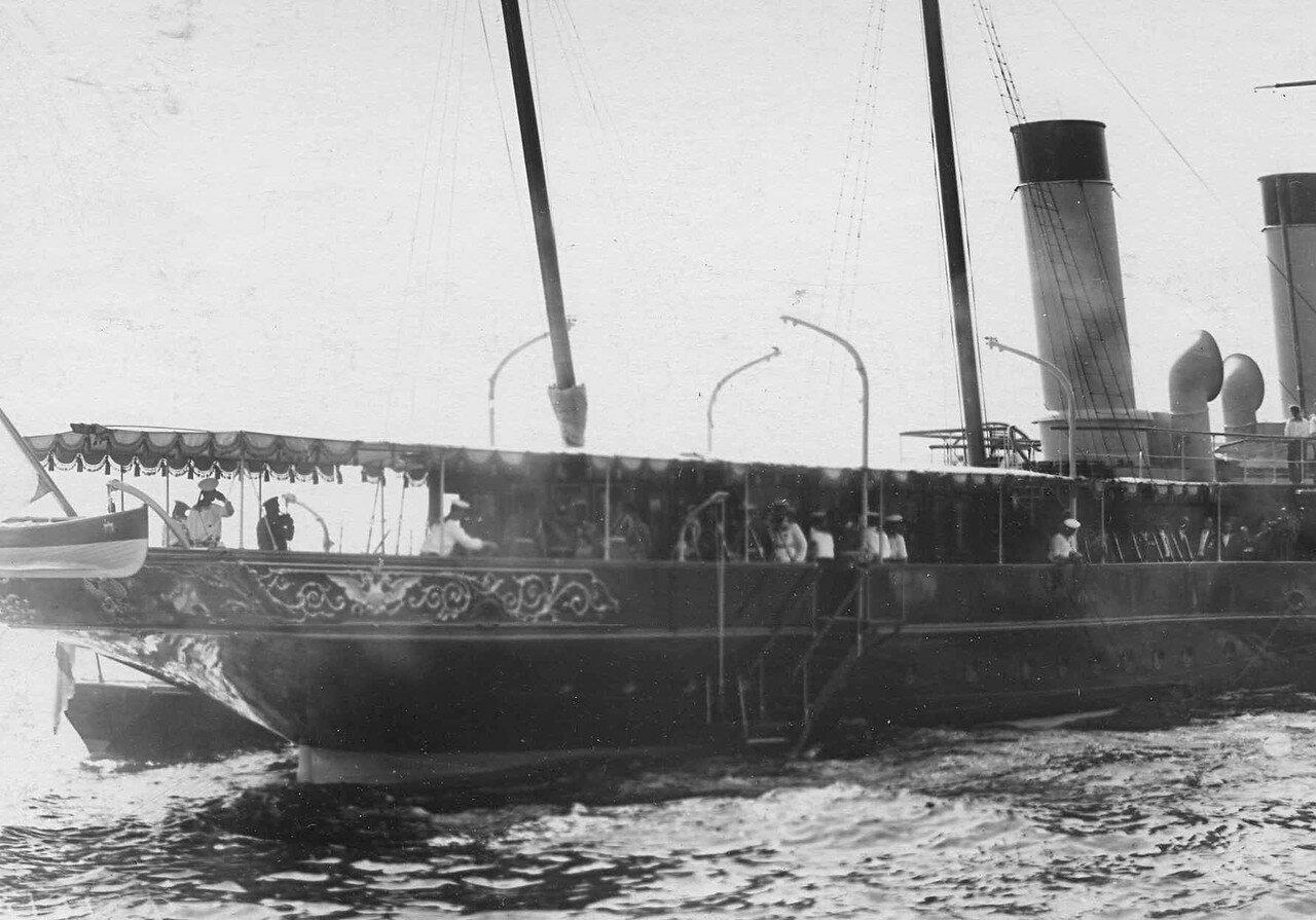 17. Император Николай II, президент Французской республики Раймон Пуанкаре и сопровождающие их лица на борту императорской яхты «Александрия». 7 июля 1914