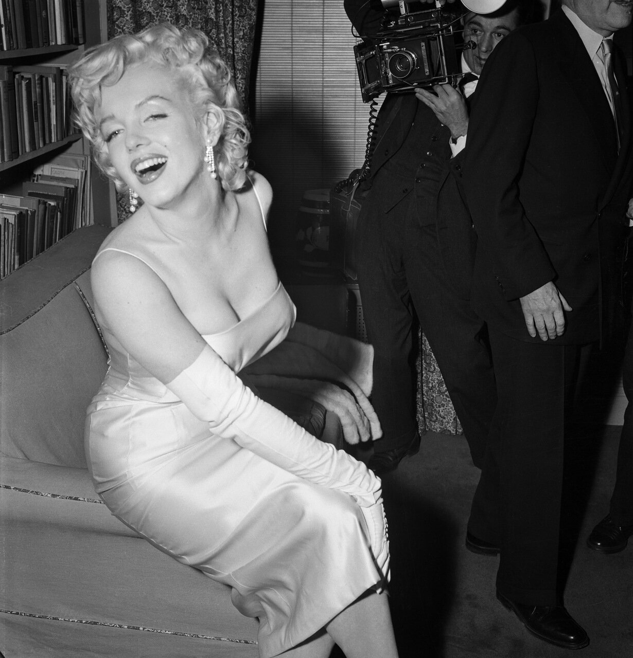 Marilyn Monroe Posing for a Photographer