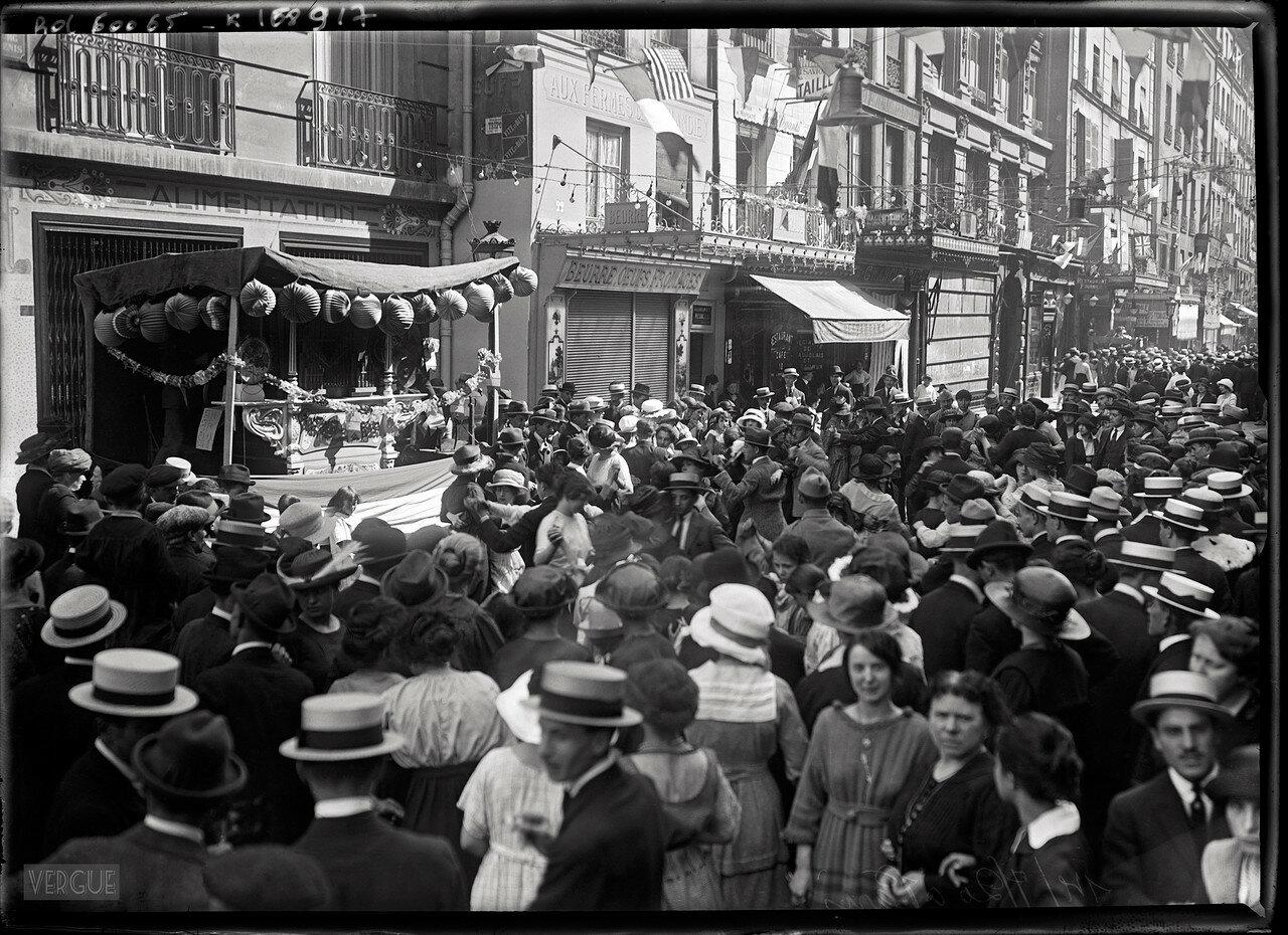 1920. Танцы в Париже, 14 июля