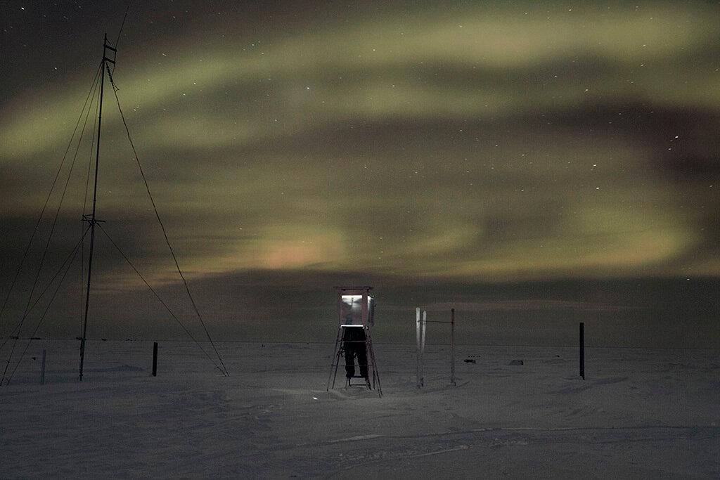 Magnetic North, Evgenia Arbugaeva80.jpg