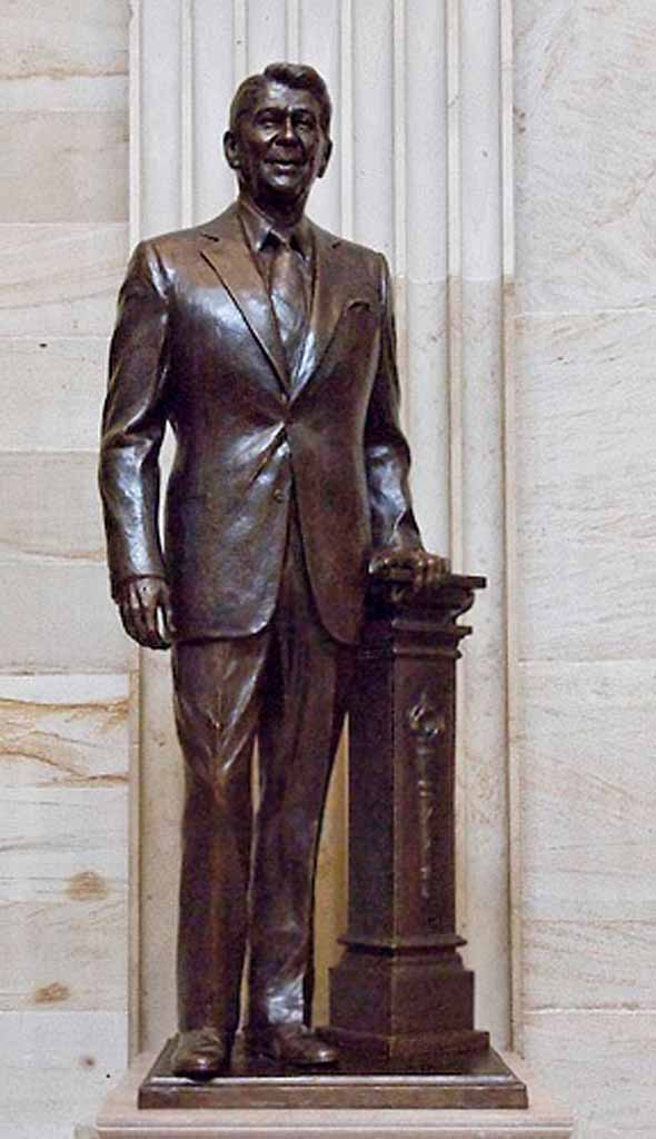 On June 3, 2009, Nancy Reagan unveiled a statue of Ronald Reagan by Chas Fagan in the Capitol rotunda