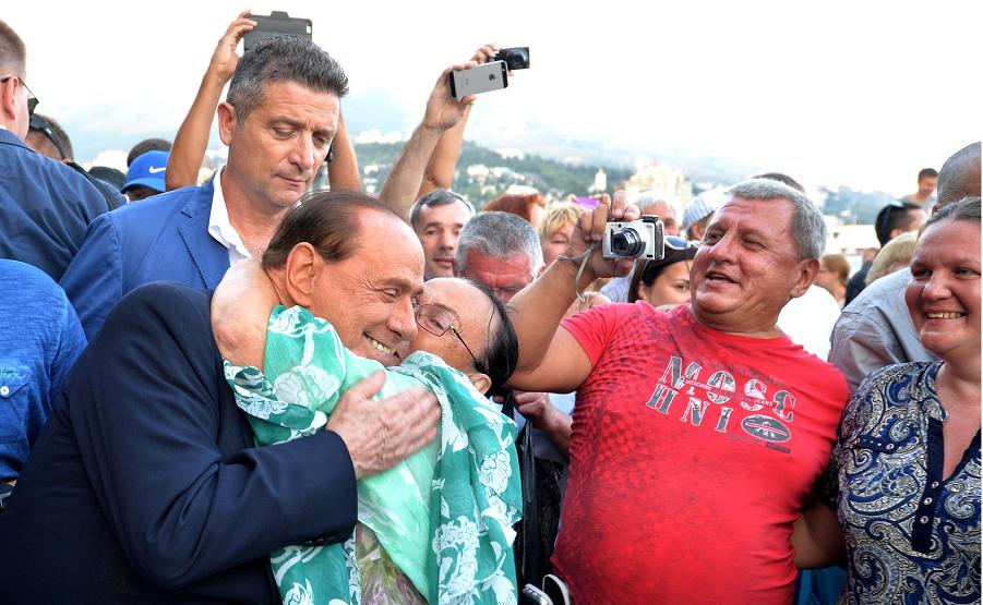 Берлускони в Ялте.png