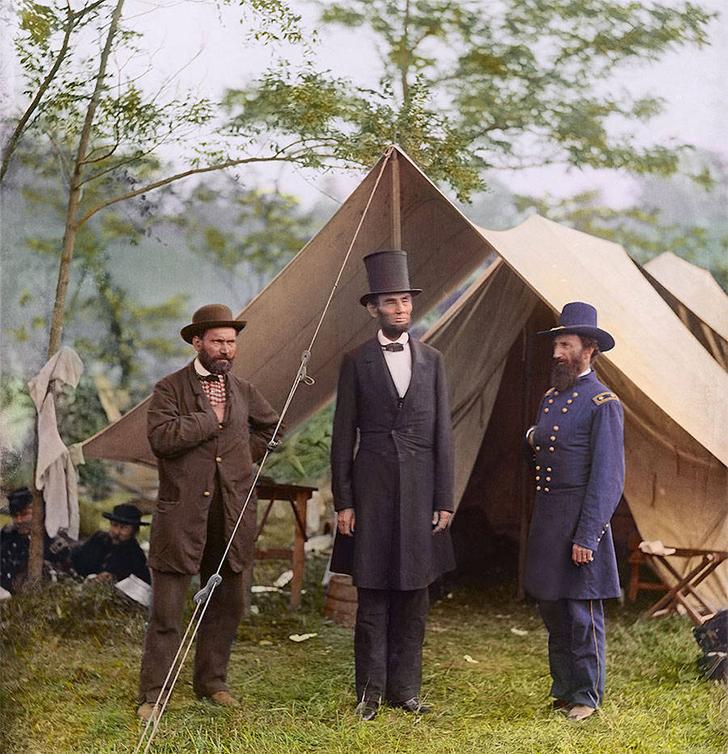 Президент Линкольн с генерал-майором Макклернандом и Аланом Пинкертоном, 1862 год.