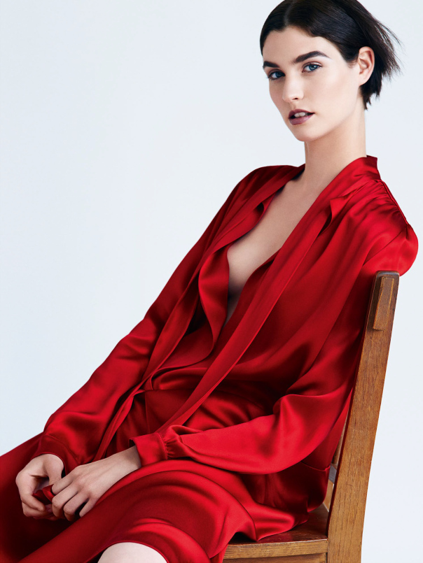 manon-leloup-by-victor-demarchelier-for-vogue-spain-december-2014-3.jpg