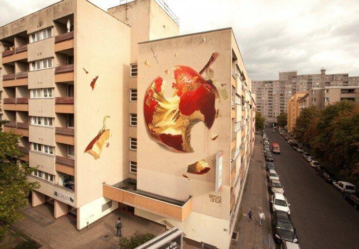 Уличный художник Wes 21.
