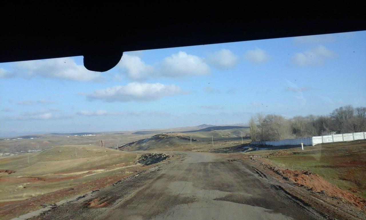 фото в дороге из окна автомобиля