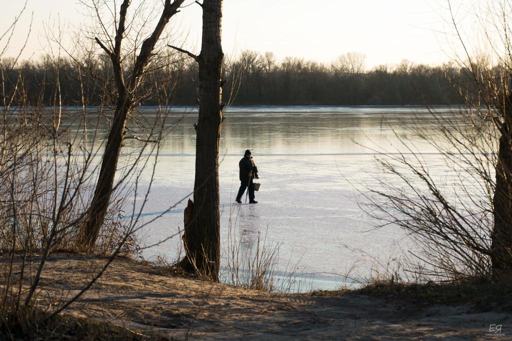 Зимняя рыбалка на Днепре