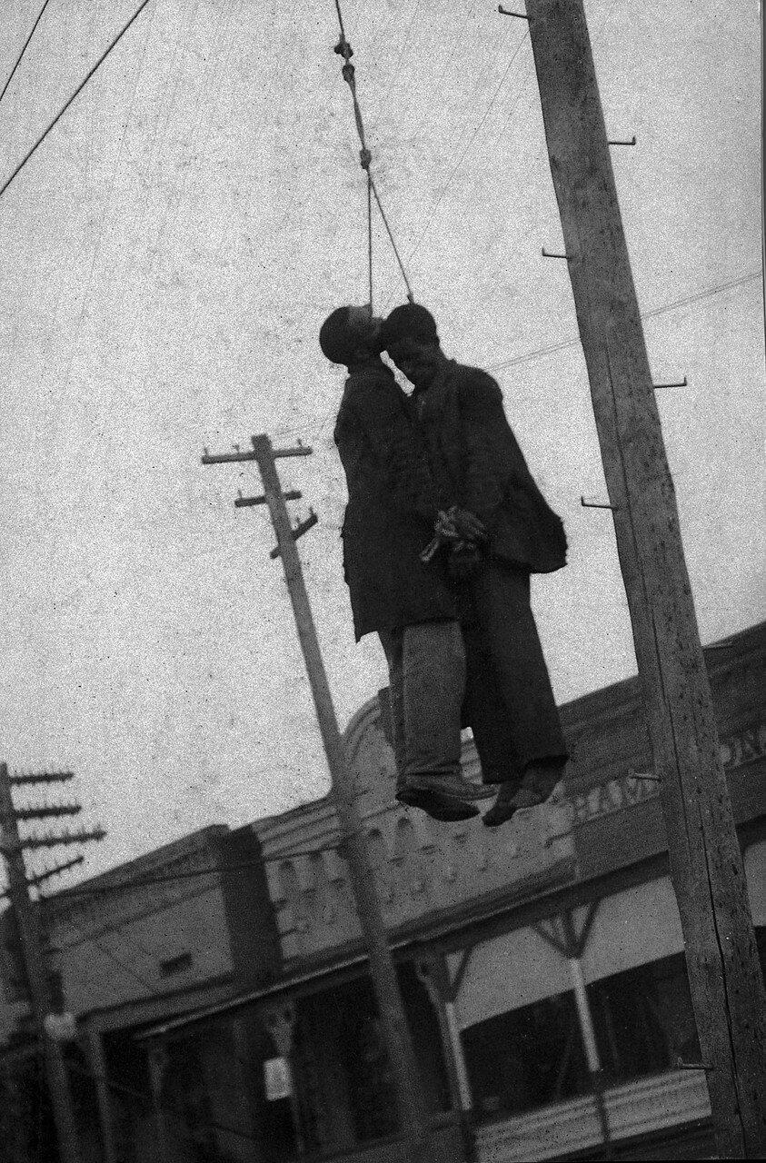 1902. 8 октября линчевали Дж. Берли и С. Брауна. Нью-Берн, Северная Каролина