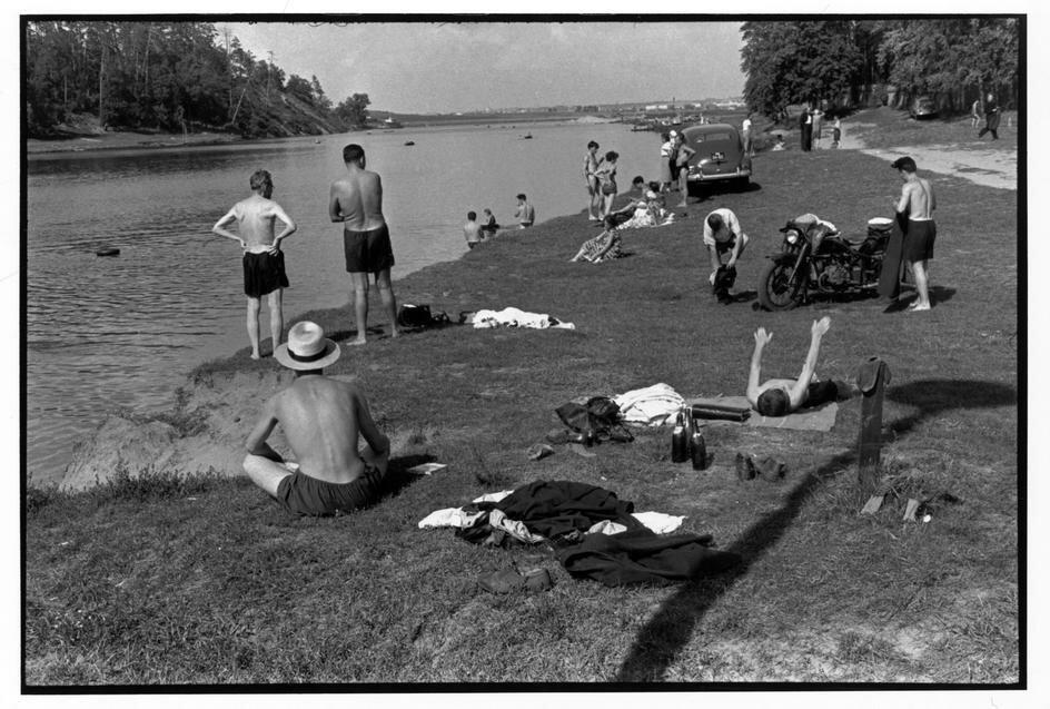 1954. Москва. Пляж в Серебряном бору