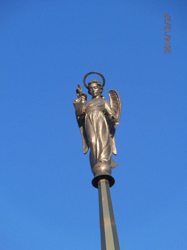 Памятник основателям города на ул. Кирова (3)