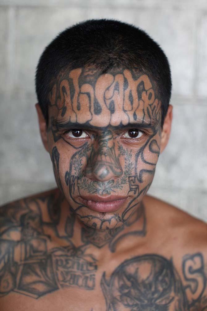 Портреты самых жестоких банд Северной и Южной Америки. Фотограф Адам Хинтон (Adam Hinton)