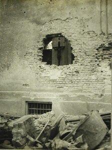 Храм, разрушенный при обстреле австрийцами одного из населенных пунктов близ Варшавы.