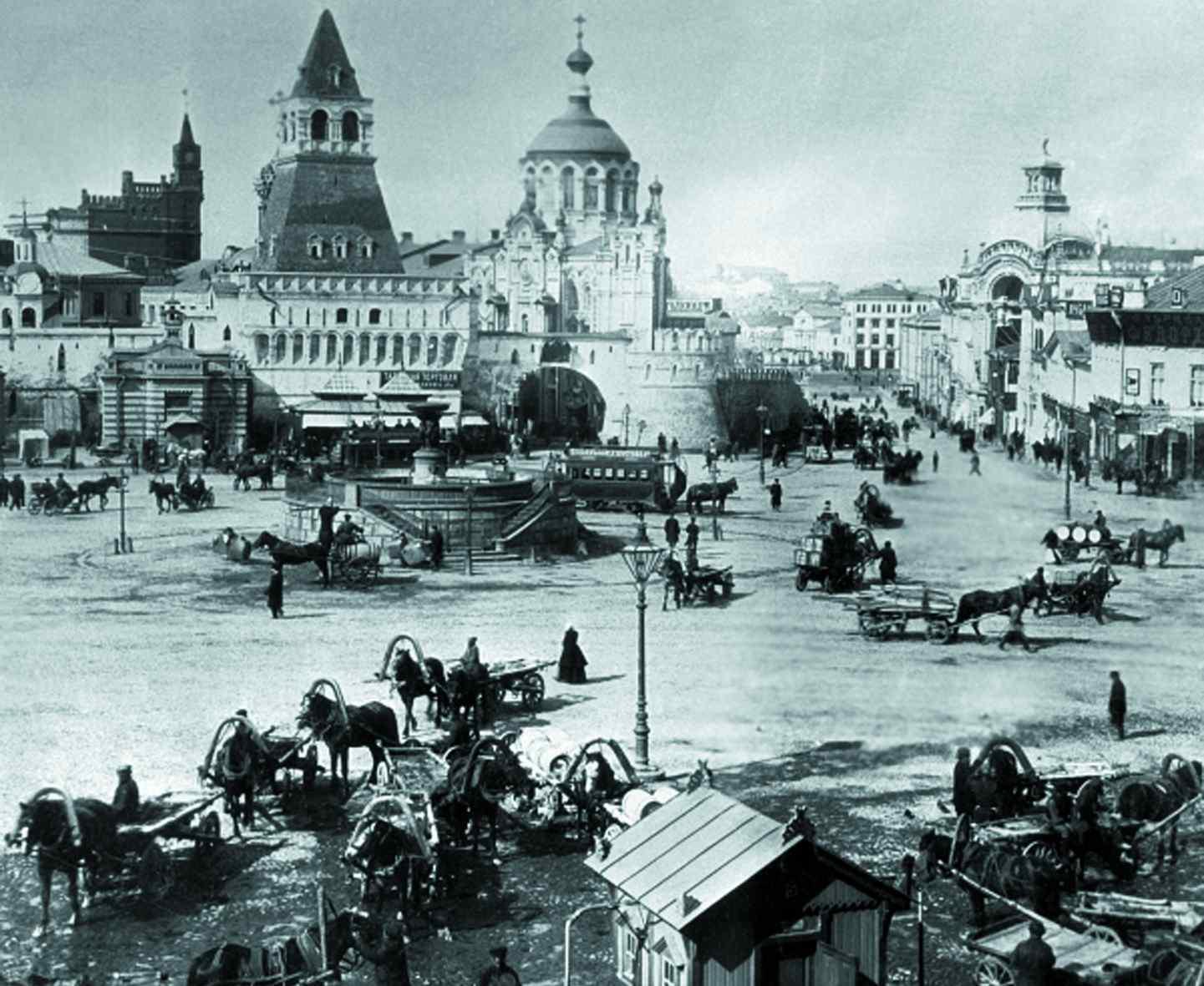 Собянину на заметку. Как в Москве боролись с рытвинами на дорогах при Российской Империи?