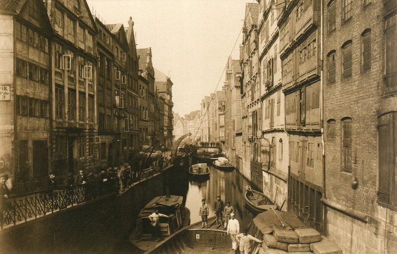 Holländische Reihe von der St. Annenbrücke aus gesehen
