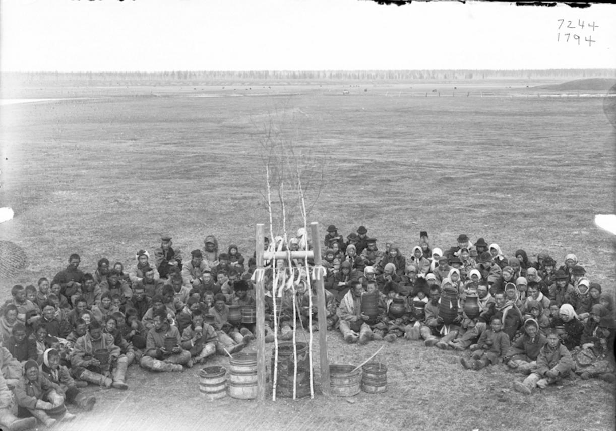 Якутский праздник окропления кумысом. 1902